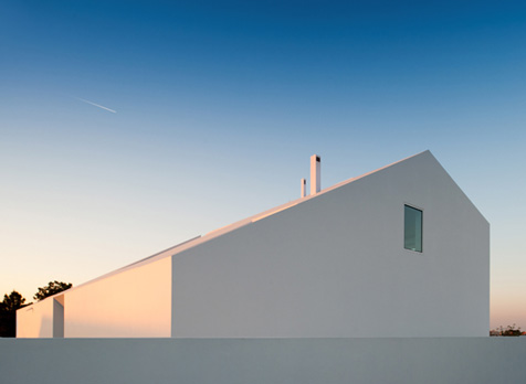 House in Possanco by ARX Portugal Arquitectos