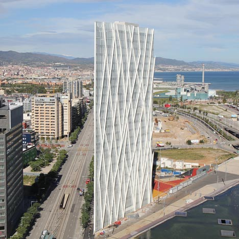 Torre Telefonica Diagonal ZeroZero by EMBA