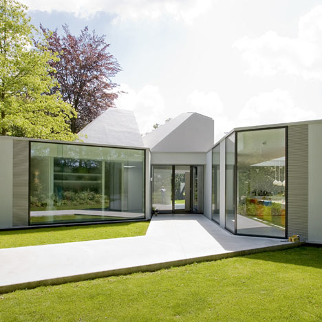Villa 4.0 by Dirk Van Gameren