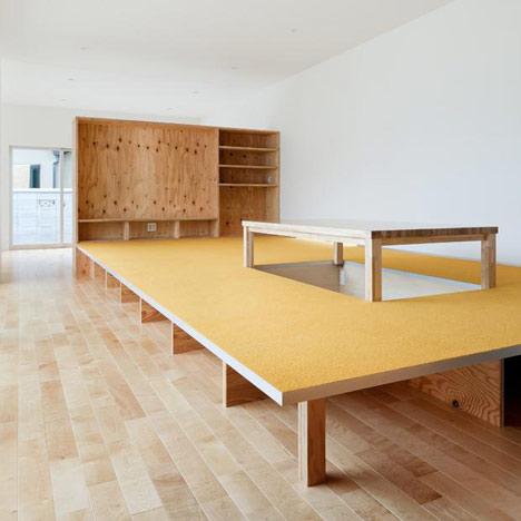 augenpralinen kreativ und individuell wohnen und einrichten podest tisch augenpralinen. Black Bedroom Furniture Sets. Home Design Ideas