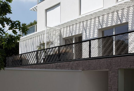 Apartment building by Znamení Čtyř