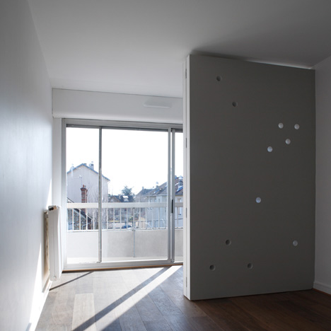 Apartment for a dancer and choreographer by CUT Architectures