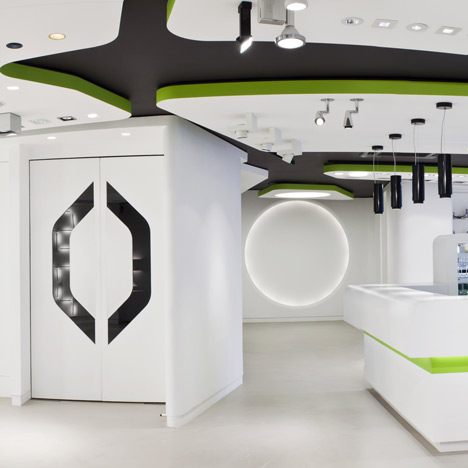 Atrium by Studio RHE