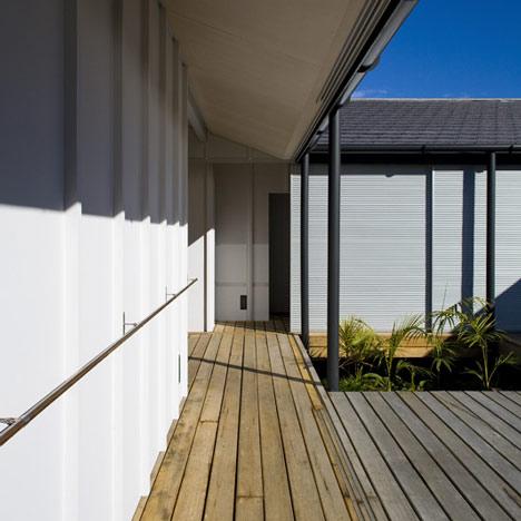 Diamond Beach House by Bourne Blue Architecture