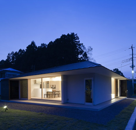Doughnut House by Naoi Architecture & Design Office