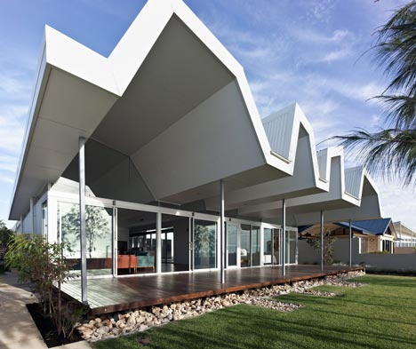 Florida Beach House by Iredale Pedersen Hook - Dezeen