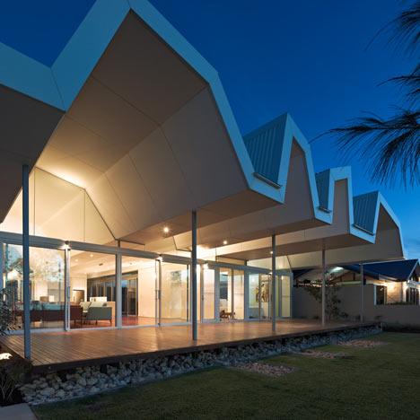 Florida Beach House by Iredale Pedersen Hook