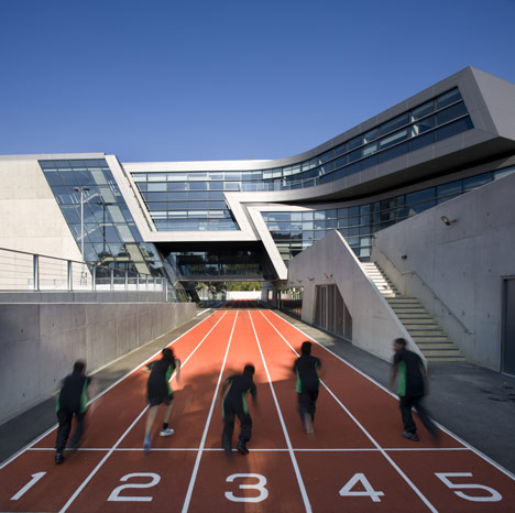 dezeen_Evelyn Grace Academy by Zaha Hadid Architects_1