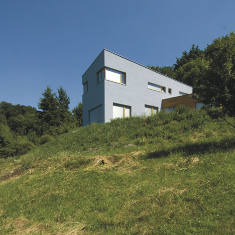 House in Střekov II by 3+1 Architekti