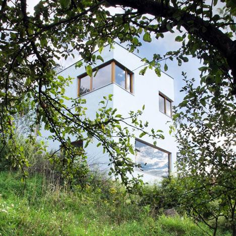 House in Střekov II by 3+1 Architekti