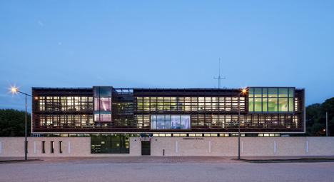Police Station of Provins by Ameller, Dubois & Associés