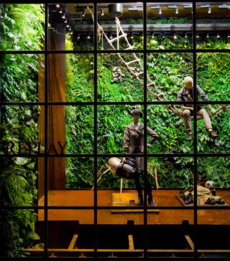 Replay by Vertical Garden Design