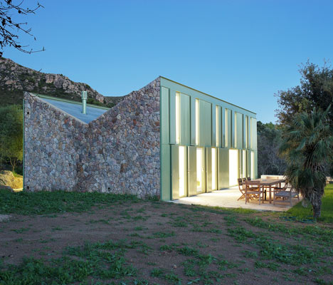 The Banquet by Herreros Arquitectos at the ROM Gallery