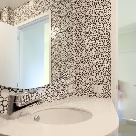 Apartment by Pedro Varela and Renata Pinho