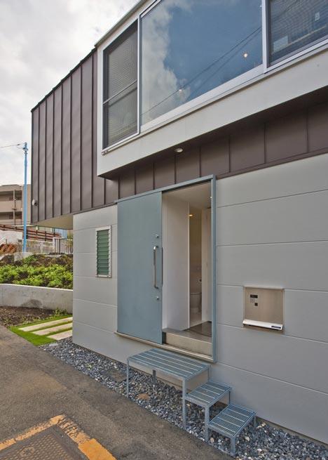 House in Horinouchi by Mizuishi Architect Atelier