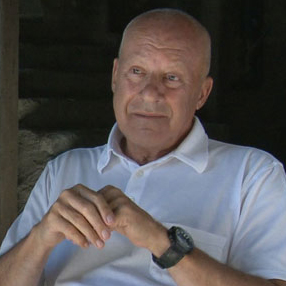 Norman Foster pays tribute to Steve Jobs