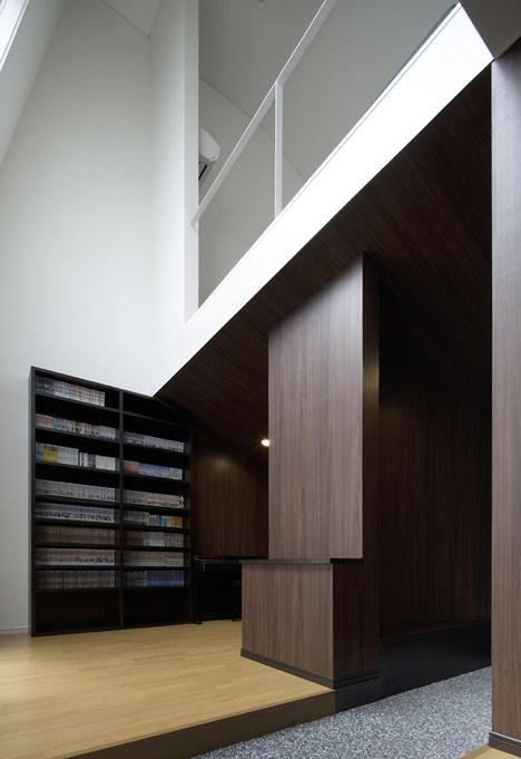 Hansha Reflection House by Studio SKLIM
