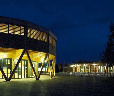 Restaurant and Theatre for La Rive Domain by Nadau Lavergne