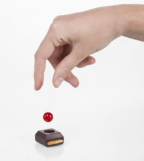Sweet play by Elsa Lambinet