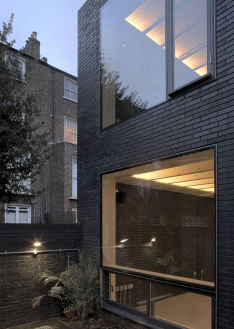 The shadow house by liddicoat goldhill dezeen Black brick homes
