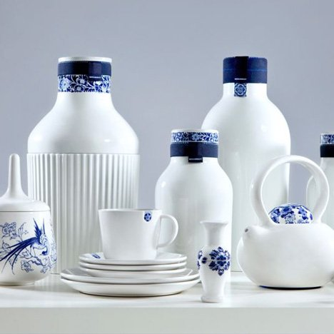 Blue-D1653-by-Arian-Brekveld,-Chris-Koens-and-Damian-O'Sullivan-for-Royal-Delft