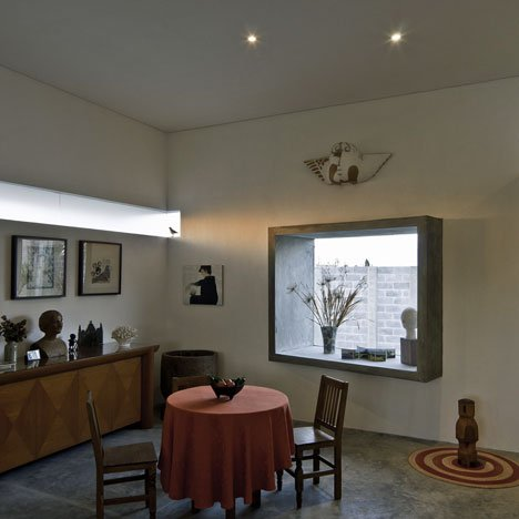 House for two artists by m + n arquitectos and Patricia Perera