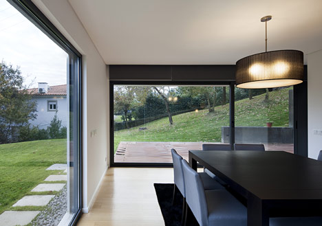 Private House by Rui Grazina