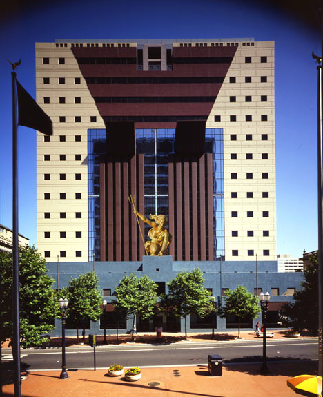 The-Portland-Building-by-Michael-Graves
