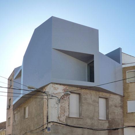Casa-Lude-by-Grupo-Aranea