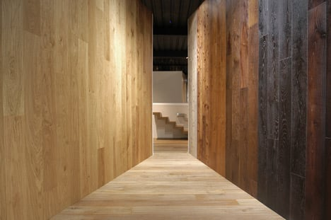 Dezeen_Artwood Showroom by LDA.iMdA Architects
