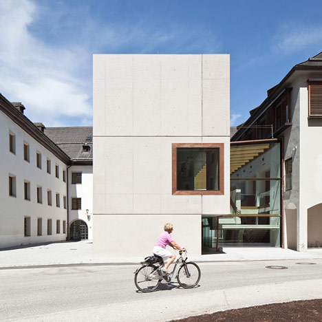 Hauptschule Rattenberg by Daniel Fugenschuh