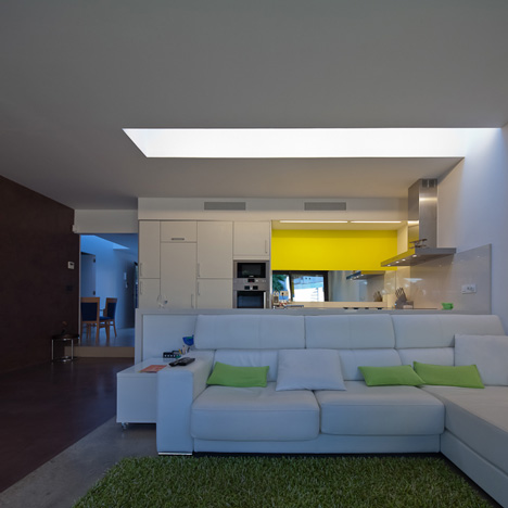 PC House by XVA