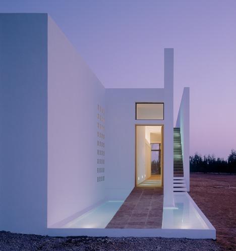 dezeen_Fobe House