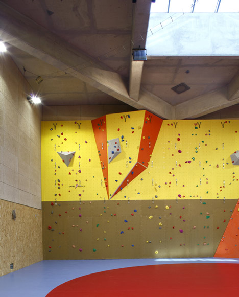 Gymnastics building by Heams et Michel