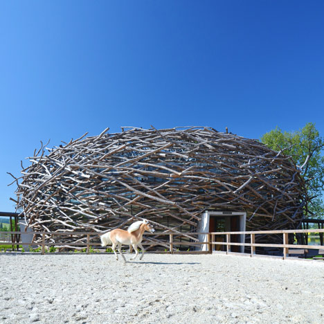Stork Nest Farm by SGL Projekt