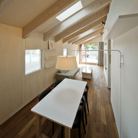 House in Saitozaki by Case-Real