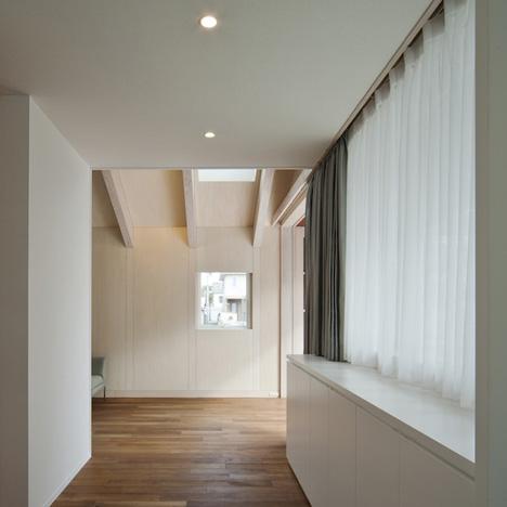 House in Saitozaki by Case-Real