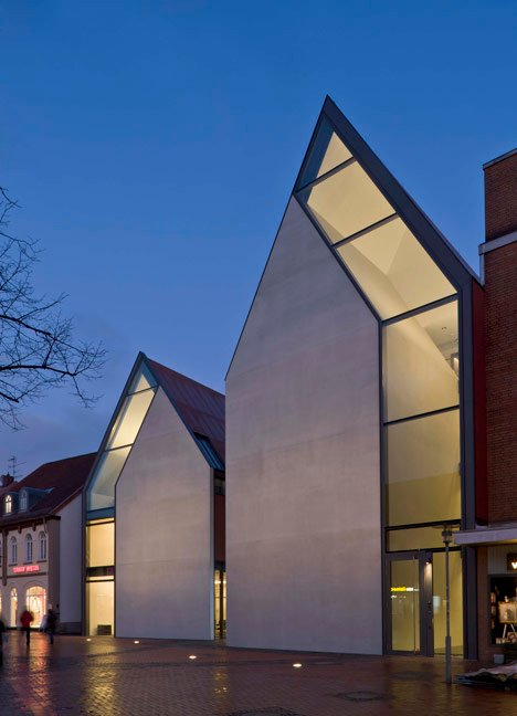 Volksbank Gifhorn by Stephan Braunfels Architekten