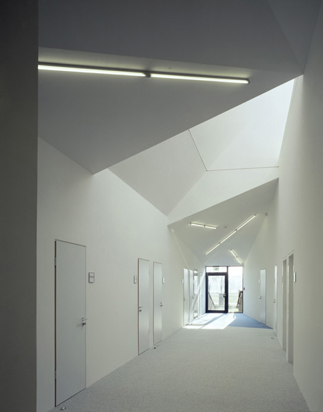 Laboratory for Behavioural and Social Sciences by Böge Lindner K2 Architekten