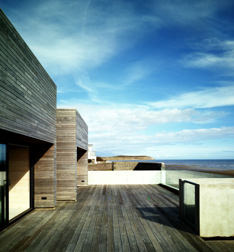 Seaside House by A2 Architects