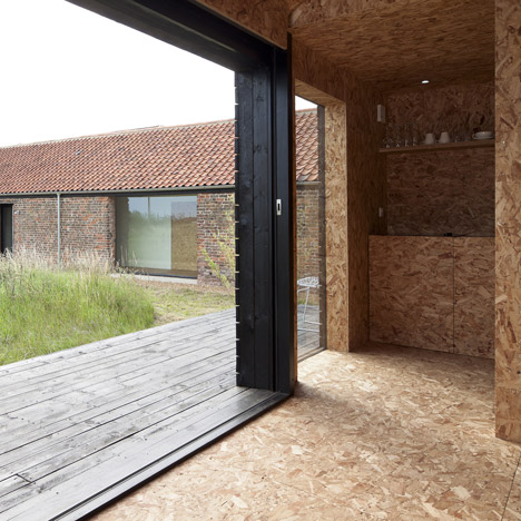 Stealth Barn by Carl Turner Architects