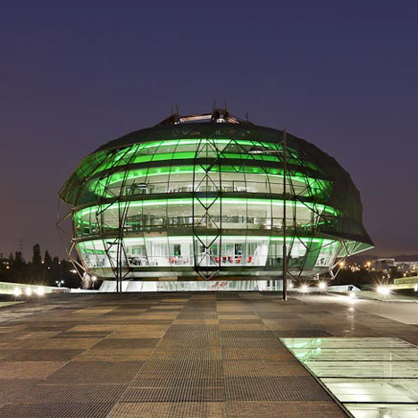 iGuzzini Illuminazione Espana SA Headquarters by MiAS Architects
