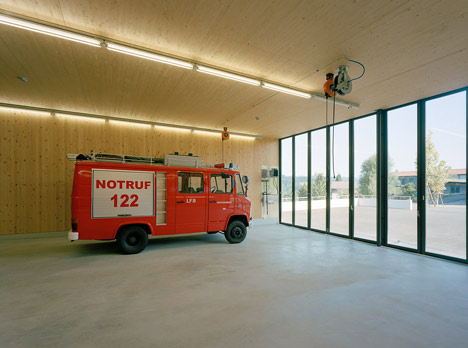 Fire Station, Thal by Dietrich | Untertrifaller