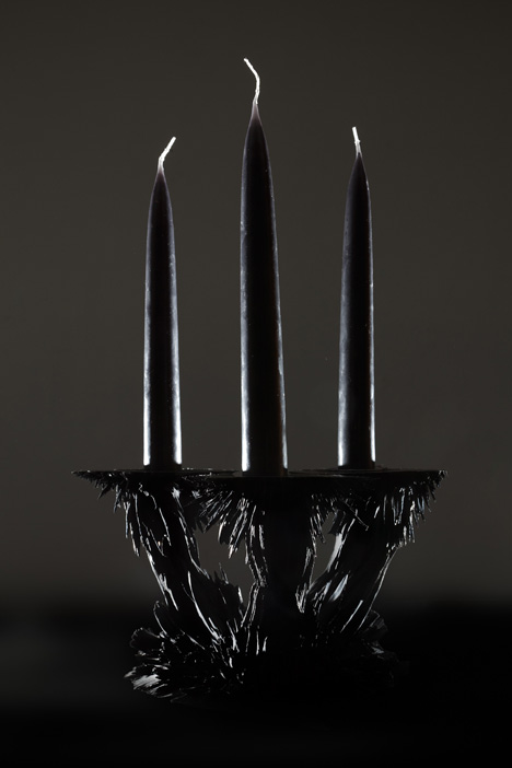 Gravity candle holder by Jolan van der Wiel
