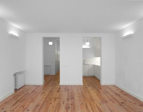 Arroios Apartment by Tiago Filipe Santos