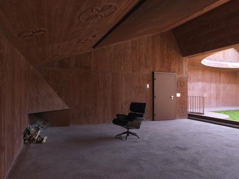 Atelier Bardill by Valerio Olgiati