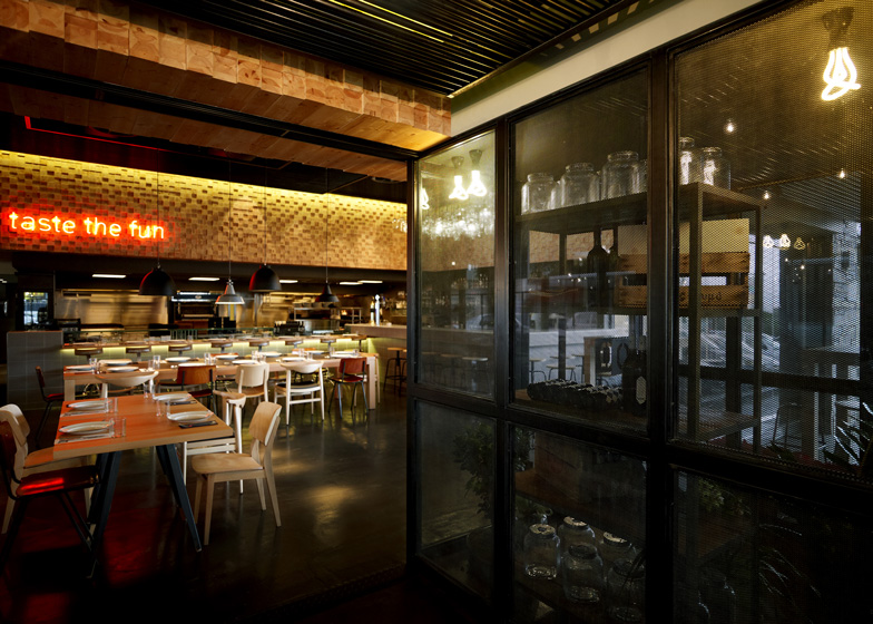 Emejing Bbq Restaurant Interior Design Ideas Gallery - Interior ...