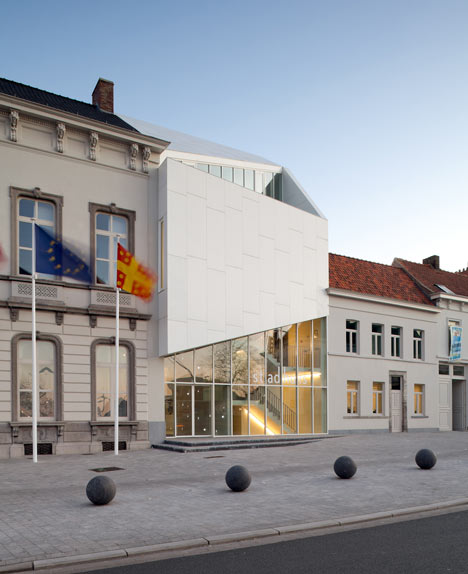 City Hall Harelbeke by Dehullu & Partners