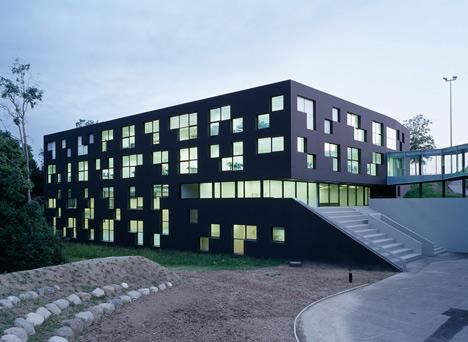 ESGE Ecole Secondaire de Genolier by ipas
