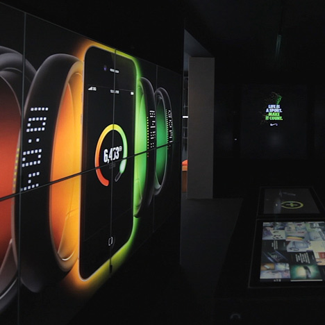 Dezeen Screen: FuelBand at NikeFuel Station